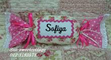 hanging pillow bentuk sweets dengan wording bersulam, RM18/pc