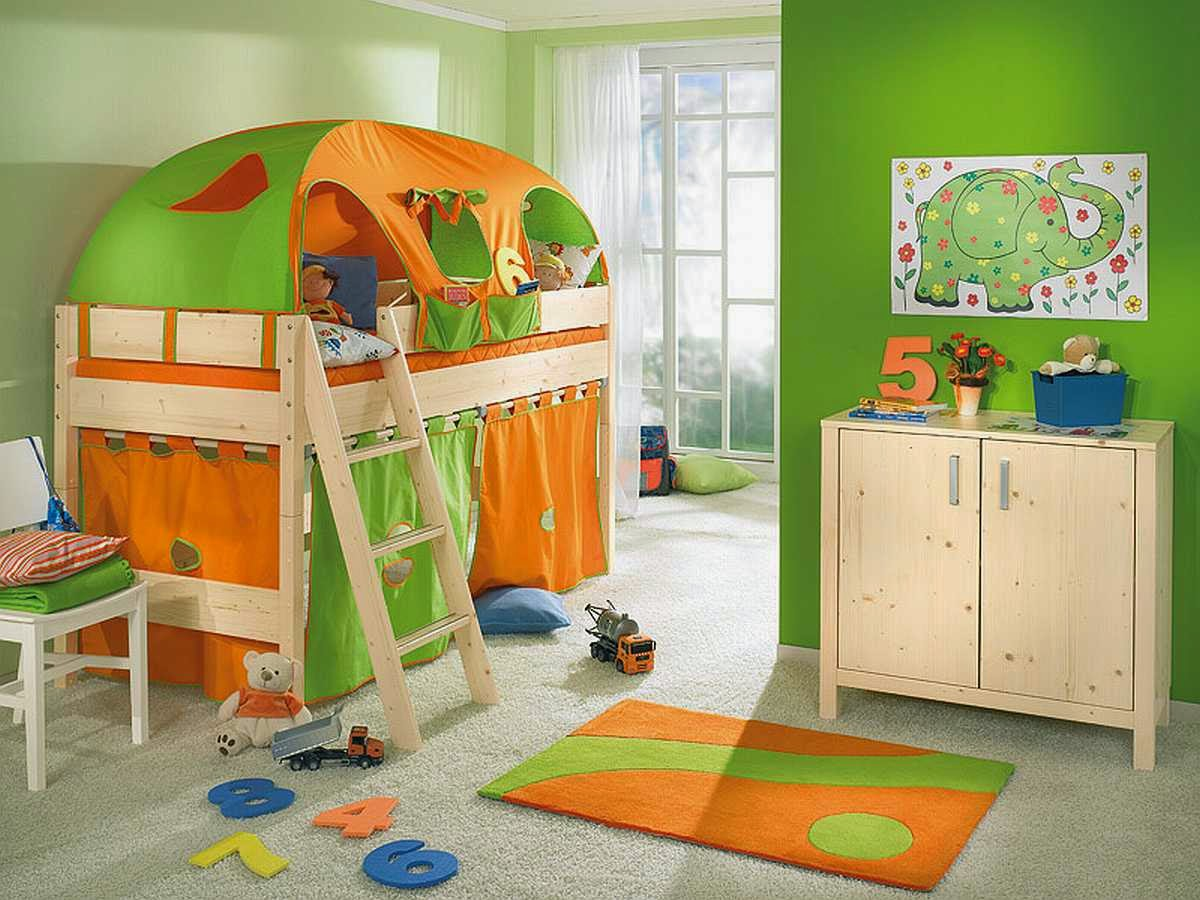 Creative Small Space Kids Room Design With Awesome Bunk Bed And Natural  Wooden Cabinet