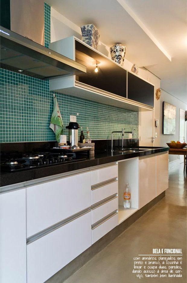 Cozinhas coloridas já pensou num tom azul esverdeado na cozinha?  Jeito de  # Armario De Cozinha Branco E Verde