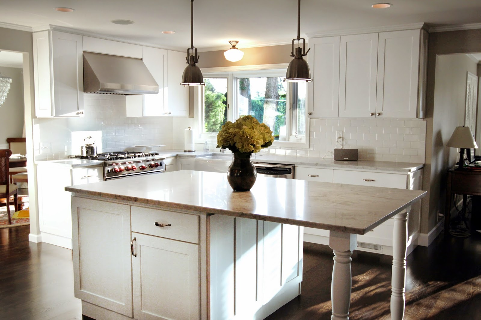 Lovely Kitchen Interiors With White Cabinets