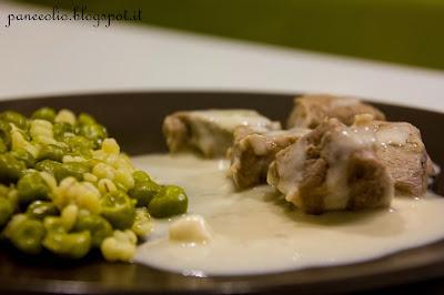 spezzatino di vitello con piselli e salsa bimby