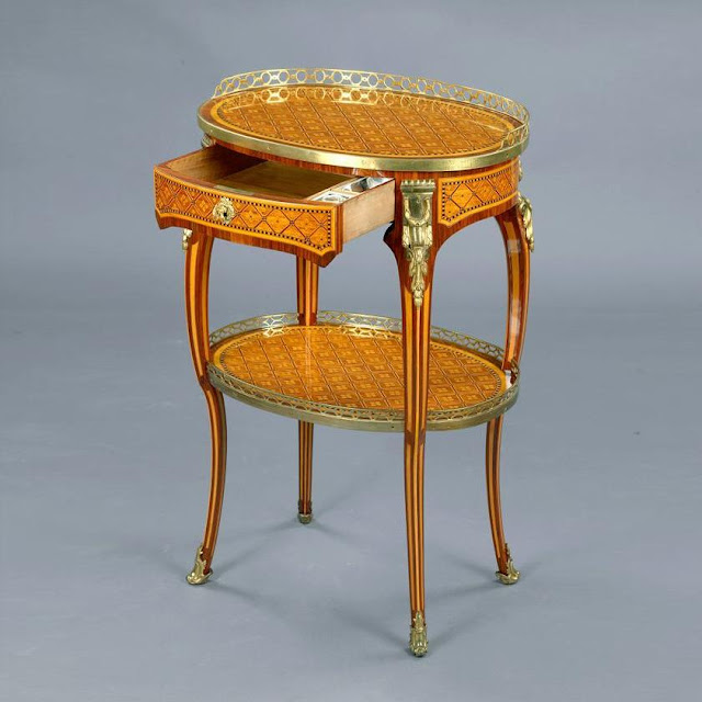 Writting table / Roger Vandercruse, circa 1770.  Stamped RVLC, private collection