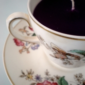 Black tea cup candle