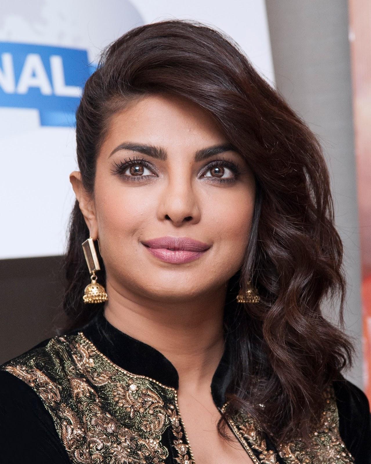 Priyanka Chopra Latest Hot Photos In Black Dress