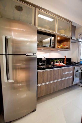 decorar cozinha jogos:2ª possibilidade: armários de baixo e superiores: madeira. Parte