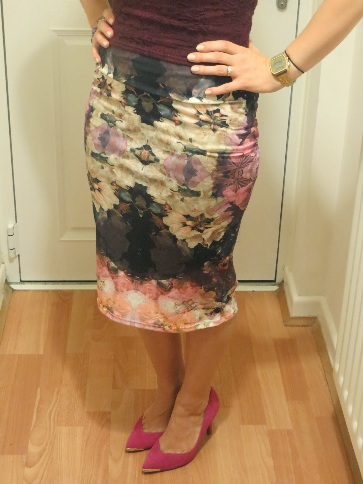 Topshop, fashion, OOTD, outfit, floral, flowers, pencil skirt, crop top, girl, blogger, shoes, new look, pink, pretty