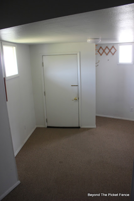 mudroom, entry, old house, http://bec4-beyondthepicketfence.blogspot.com/2015/07/before-projects-galore-in-my-old.html
