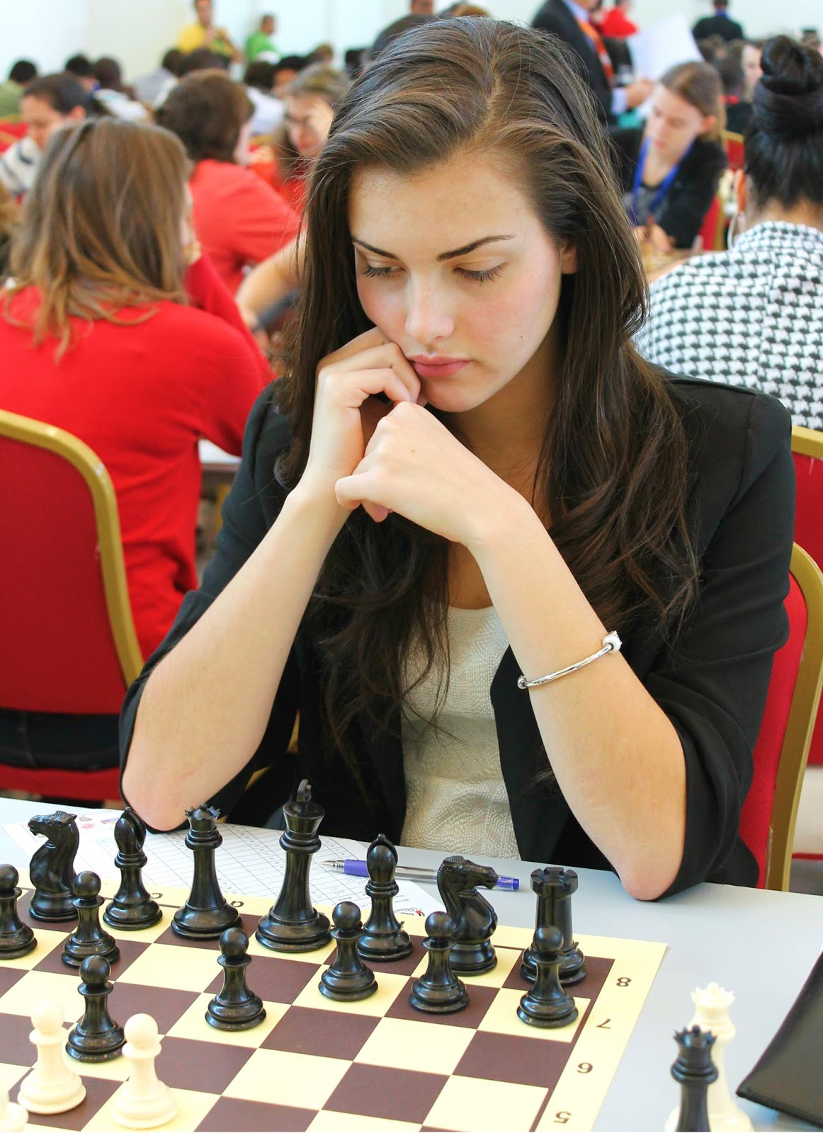 Meet and greet the wonderful Chess Princess Alexandra Botez from Canada