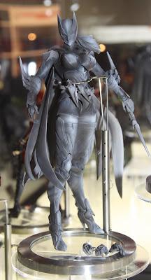 Square Enix Play Arts 2013 Toy Fair Display - DC Universe Batgirl figure