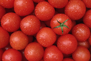 http://2.bp.blogspot.com/-NuMrOj5l2MM/UVcTgbSB4dI/AAAAAAAAABA/G3jol-V9ePc/s1600/tomatoes%252Cred%252Csunlight%252Ctomato%252Cwater-f13b0dde2713cfb67e8318bfe002d398_h.jpg