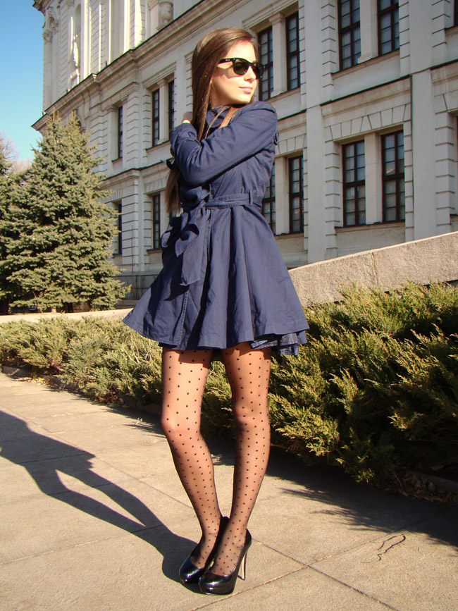 maya madanska from iheartmaya blog wearing forever 21 blue trench coat, dot dights, asos black court heels and tophop chain bag