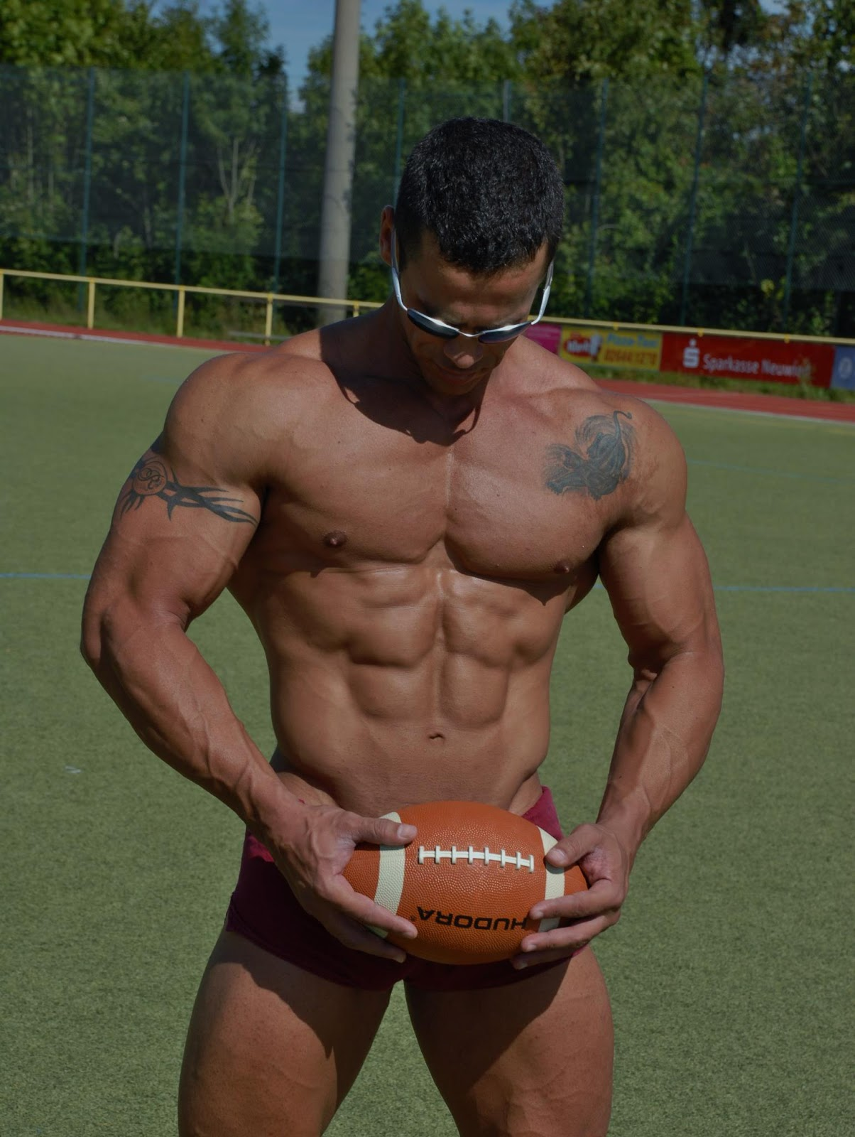 naked muscle Rugby