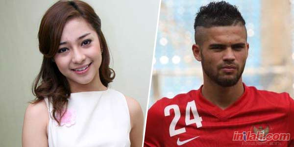 Foto Hot Mesum Nikita Willy - Diego Michiels di Ranjang Beredar