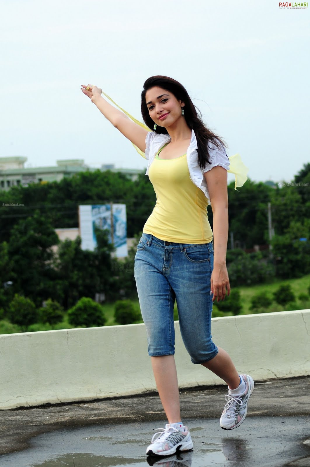 abhishe kism beautiful pictures of tamanna wearing