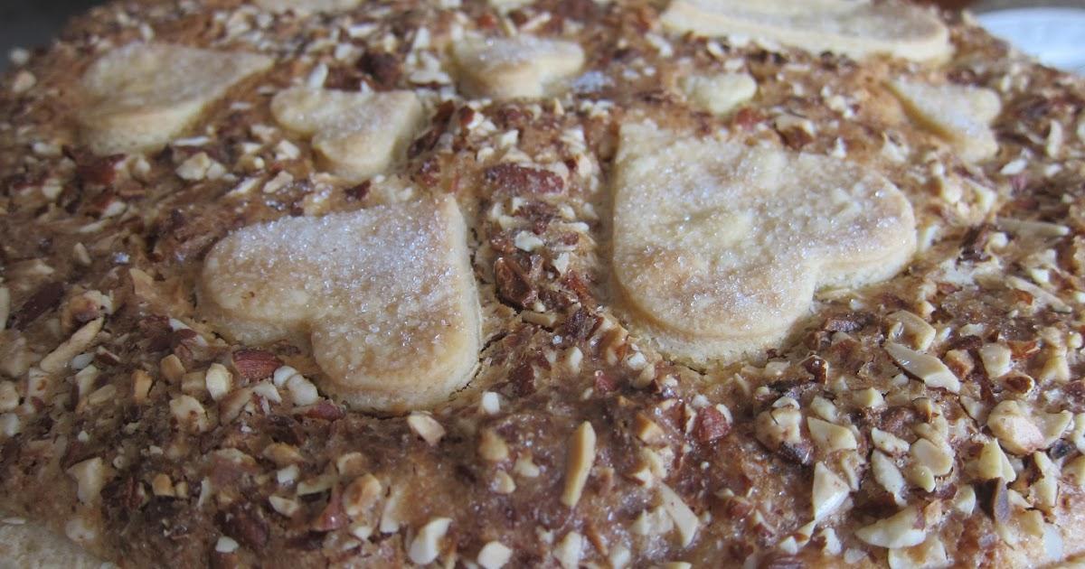 Seasonal Cook in Turkey: Apple and Almond Tart
