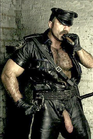 Gay Muscle Leather Bear, Naughty passions