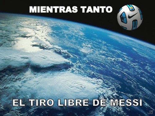 [Imagen: tiro+libre+messi+colombia.jpg]