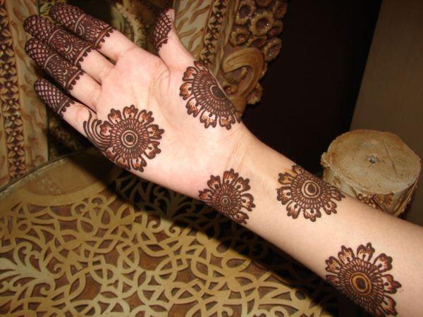 Mehndi Traditional Designs : Makarizo hairstyle traditional mehndi designs for hands