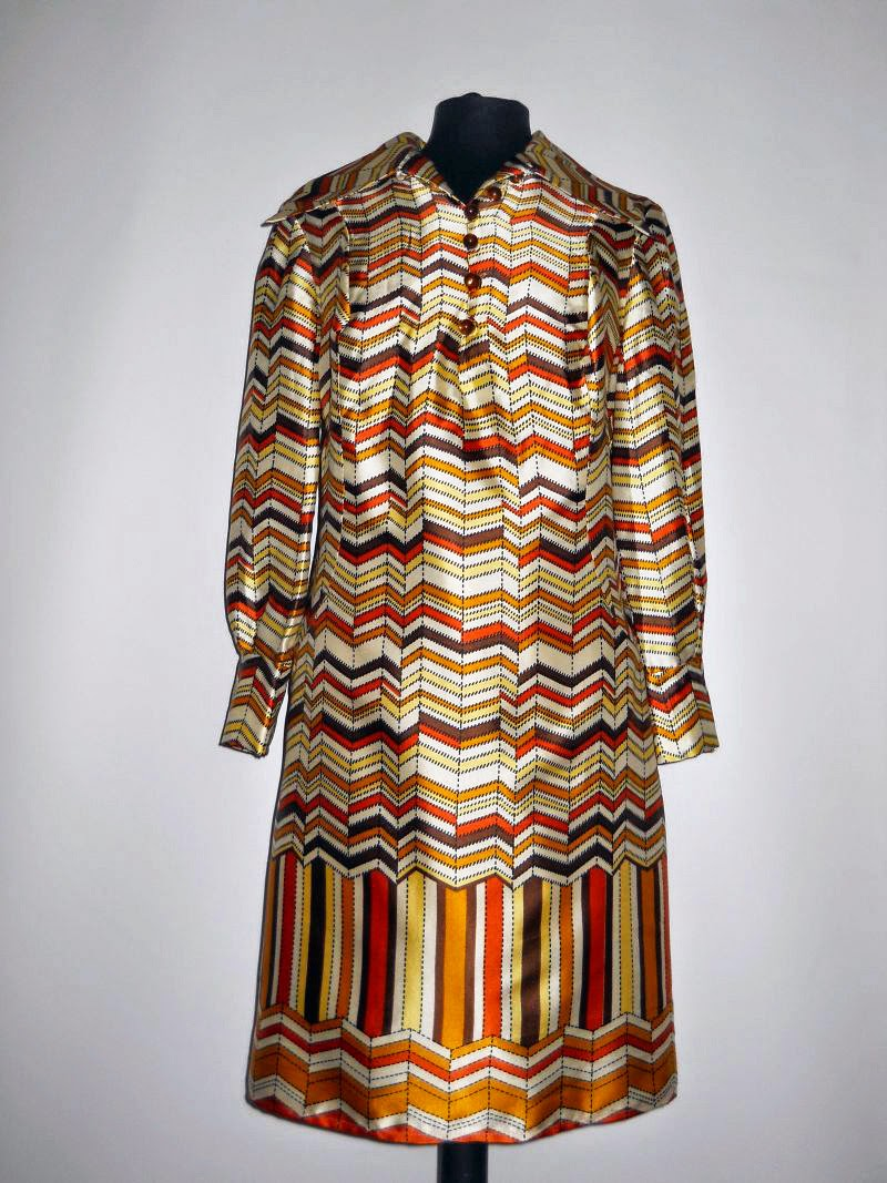 Am postat articole noi pe Vintage Wardrobe
