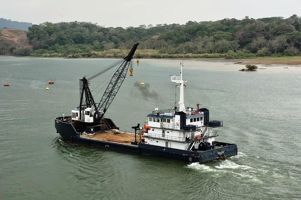 Gatun Lake Panama dredging