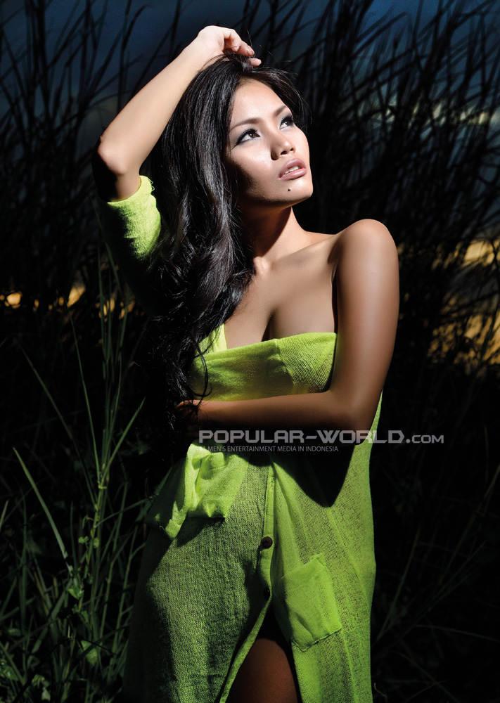 New Sexy Model Gallery Aurora Lessa For Popular World Magazine April
