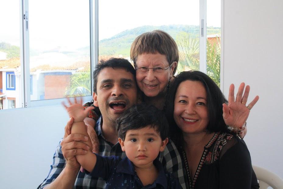 Mi nieta Marcela y su familia