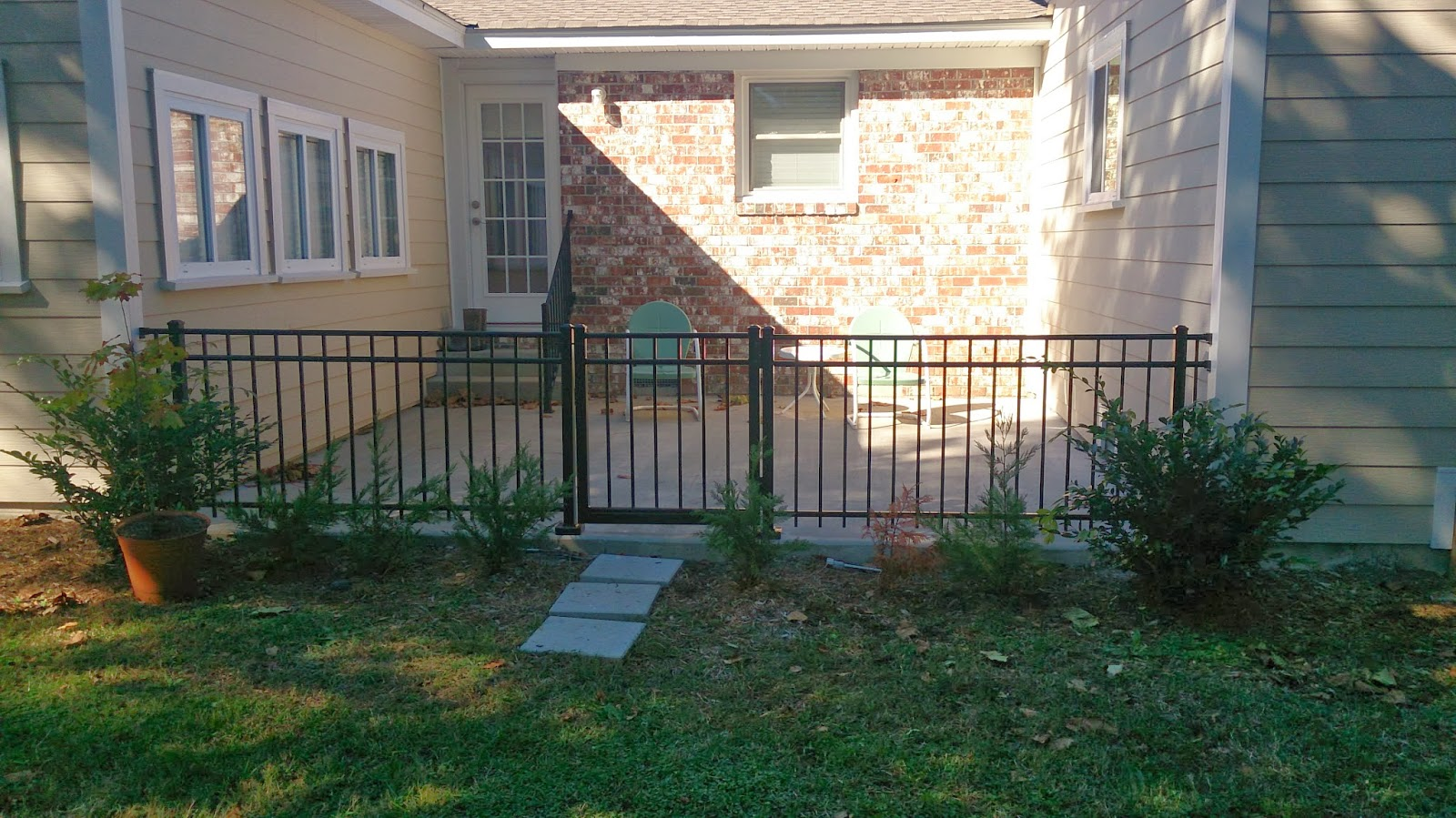 Town Amp Country Fences Llc Courtyard Fence