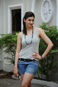 Tanvi Vyas Glam Photo Shoot Gallery-thumbnail-7