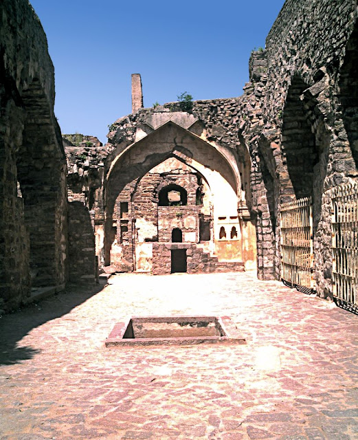 room inside Golconda Fort in Hyderabad