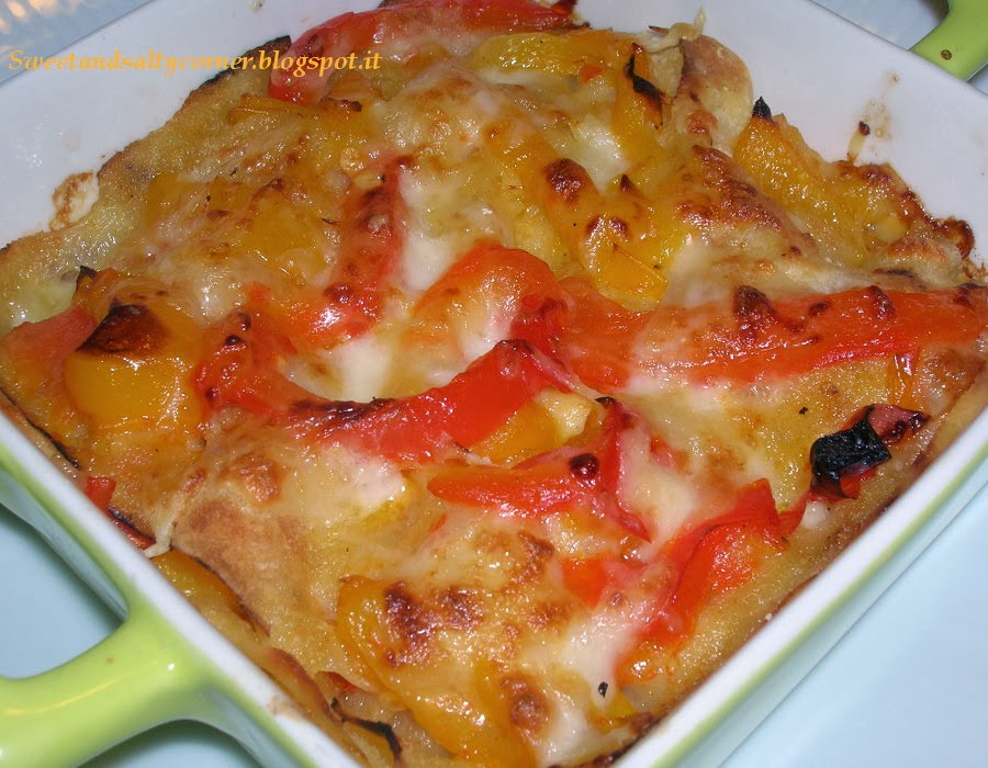 lasagnetta di pane carasau con peperoni e mozzarella