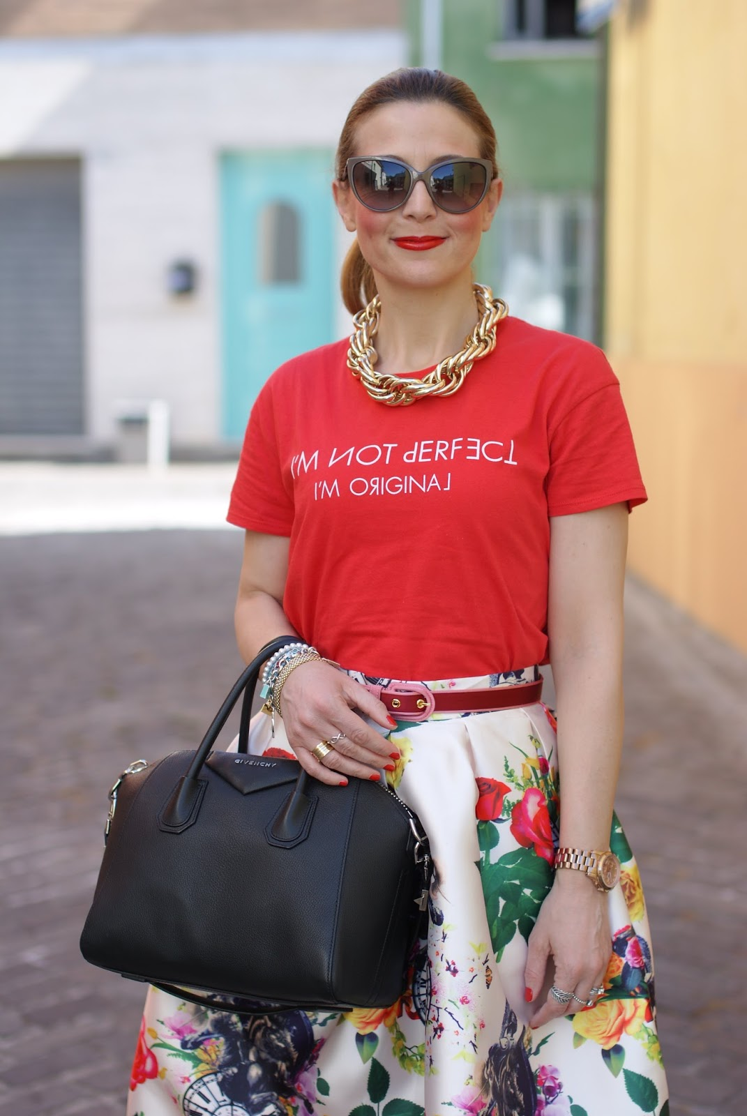 Midi skirt and Givenchy Antigona bag on Fashion and Cookies fashion blog