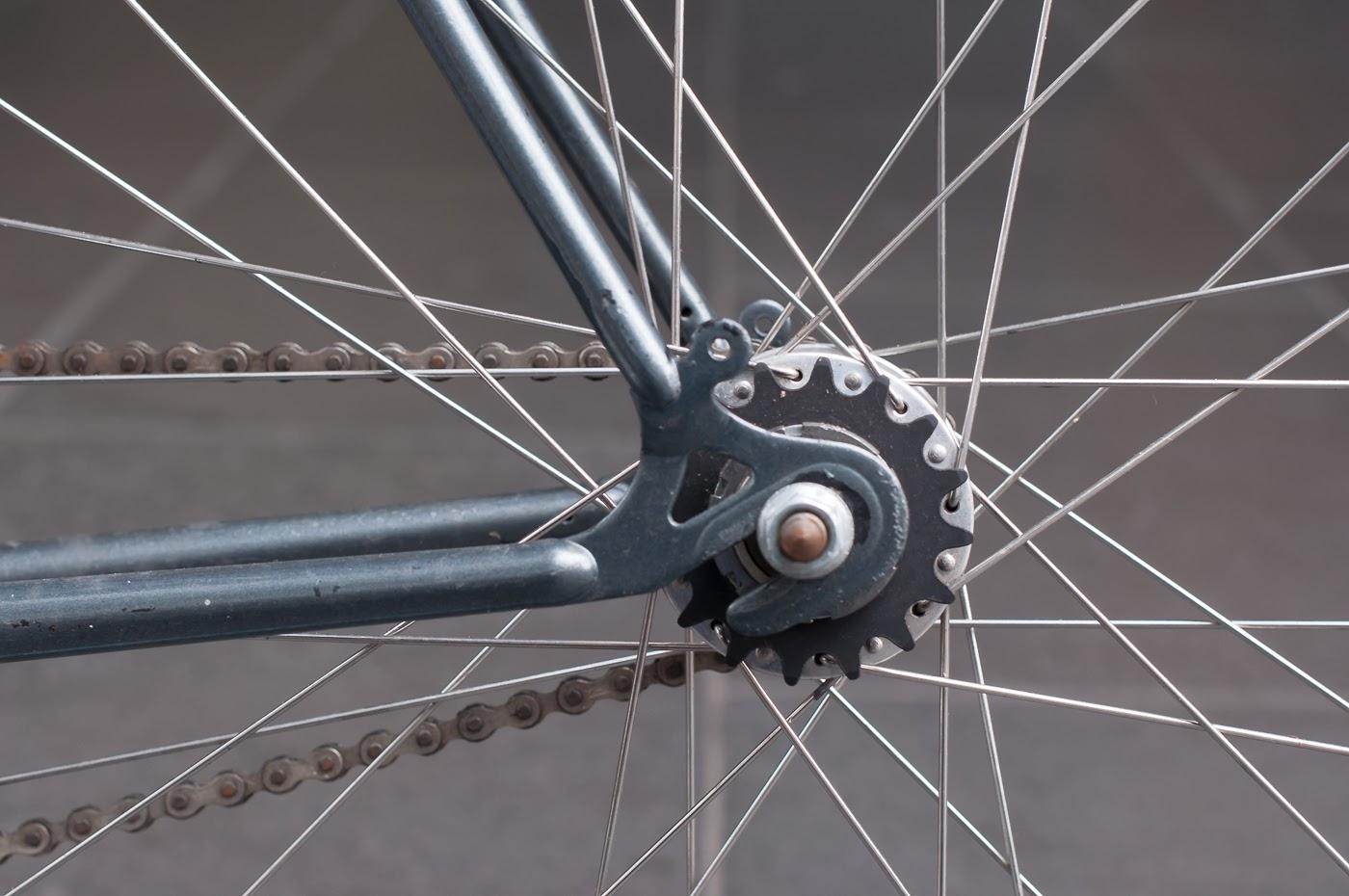 single speed, bike, bicycle, tim macauley, the biketorialist, melbourne, conversion, chain, road bike,  bourke st, custom, frame