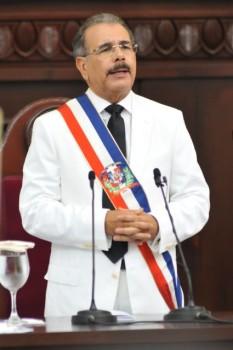 Danilo Medina designa cinco cónsules RD; elimina tres oficinas