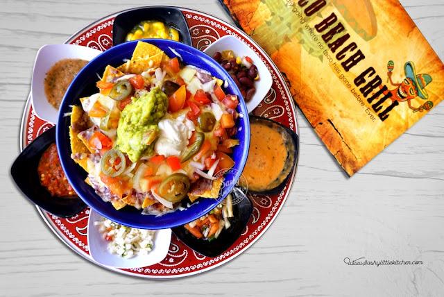 Nachos Supreme dengan 7 jenis salsa