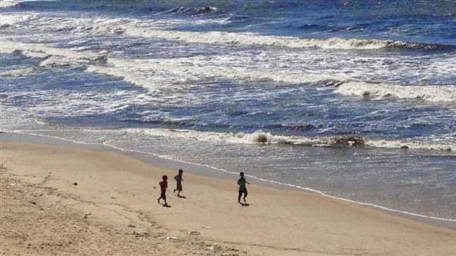 لحظة استهداف أطفال عائلة بكر على شاطئ غزة