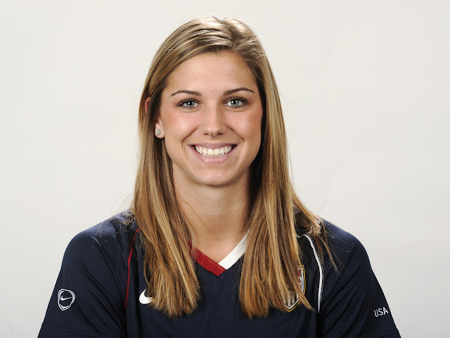 Hope_Solo_Jersey_wllpapers_2011_123232
