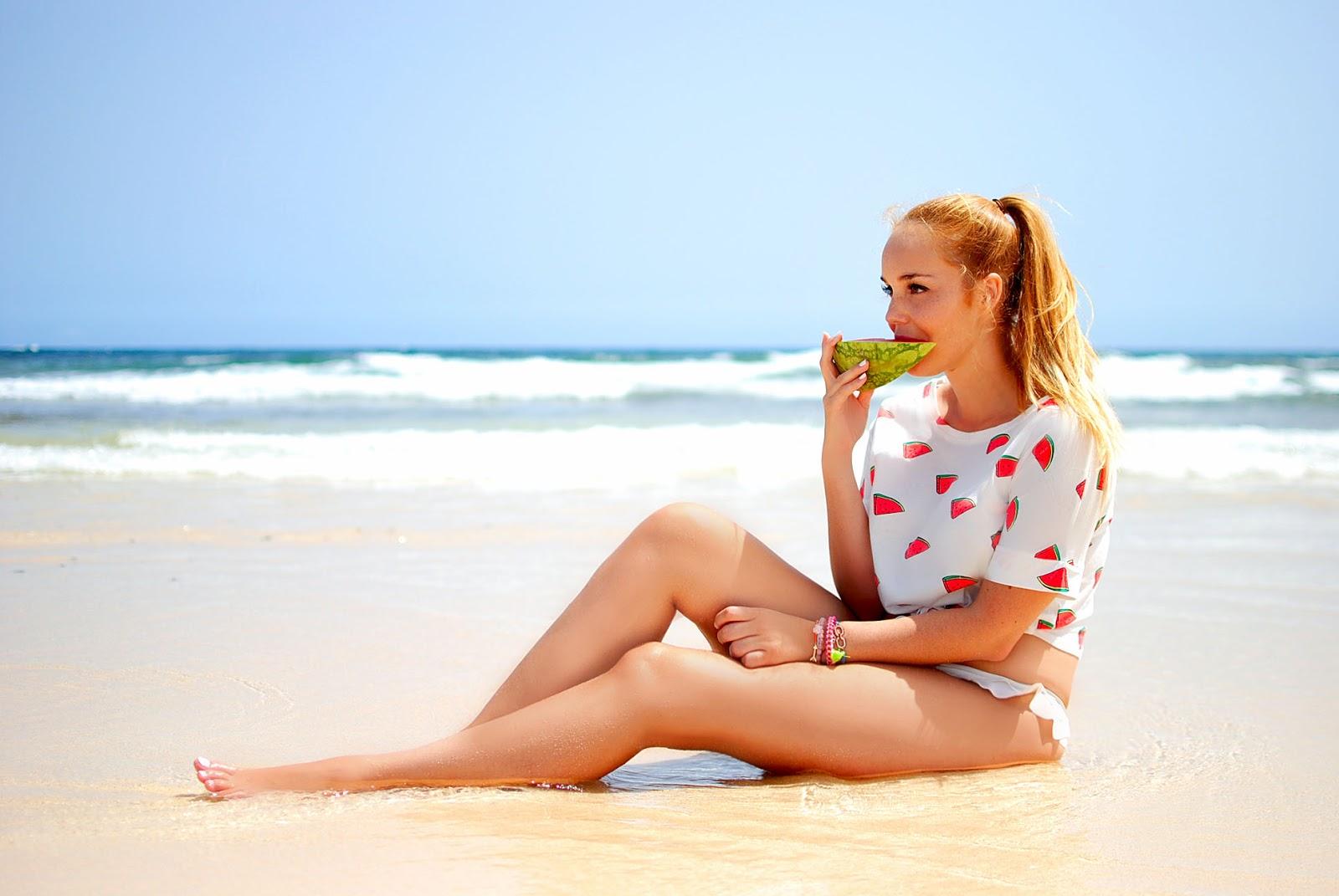 nery hdez, dresslily, dunas de corralejo, watermelon print, estampado sandias