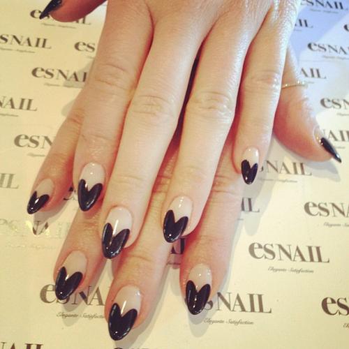 Black Almond Nails Design