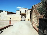 Entrada al pati i façana principal de Can Plantada. Autor: Carlos Albacete