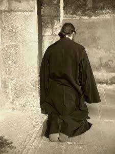ispitele şi greutăţile în rugăciune