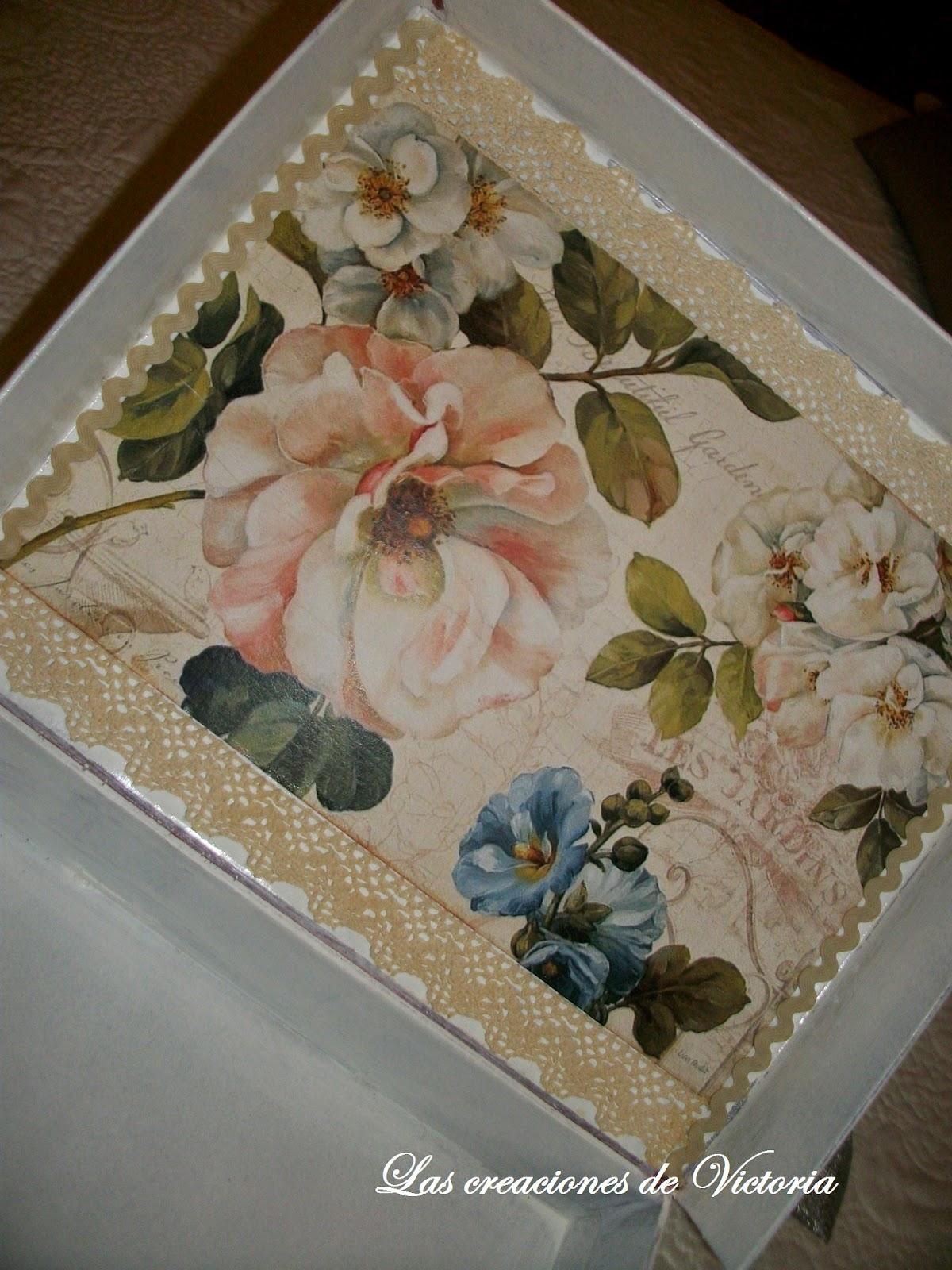 Las creaciones de Victoria. Vintage. Reciclaje de cartón.