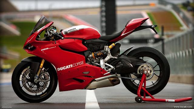 Superbike-Ducati-1199-Panigale-R-2013_2