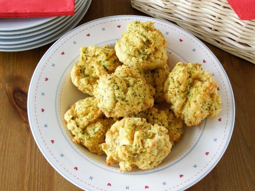 Vegan Cheezy Garlic Biscuits