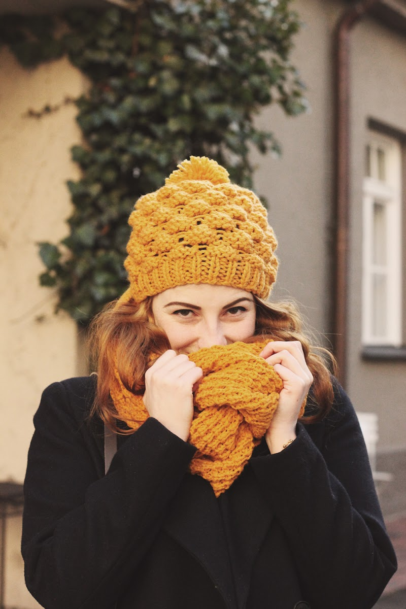 miss selfridge mustard bobble hat snood