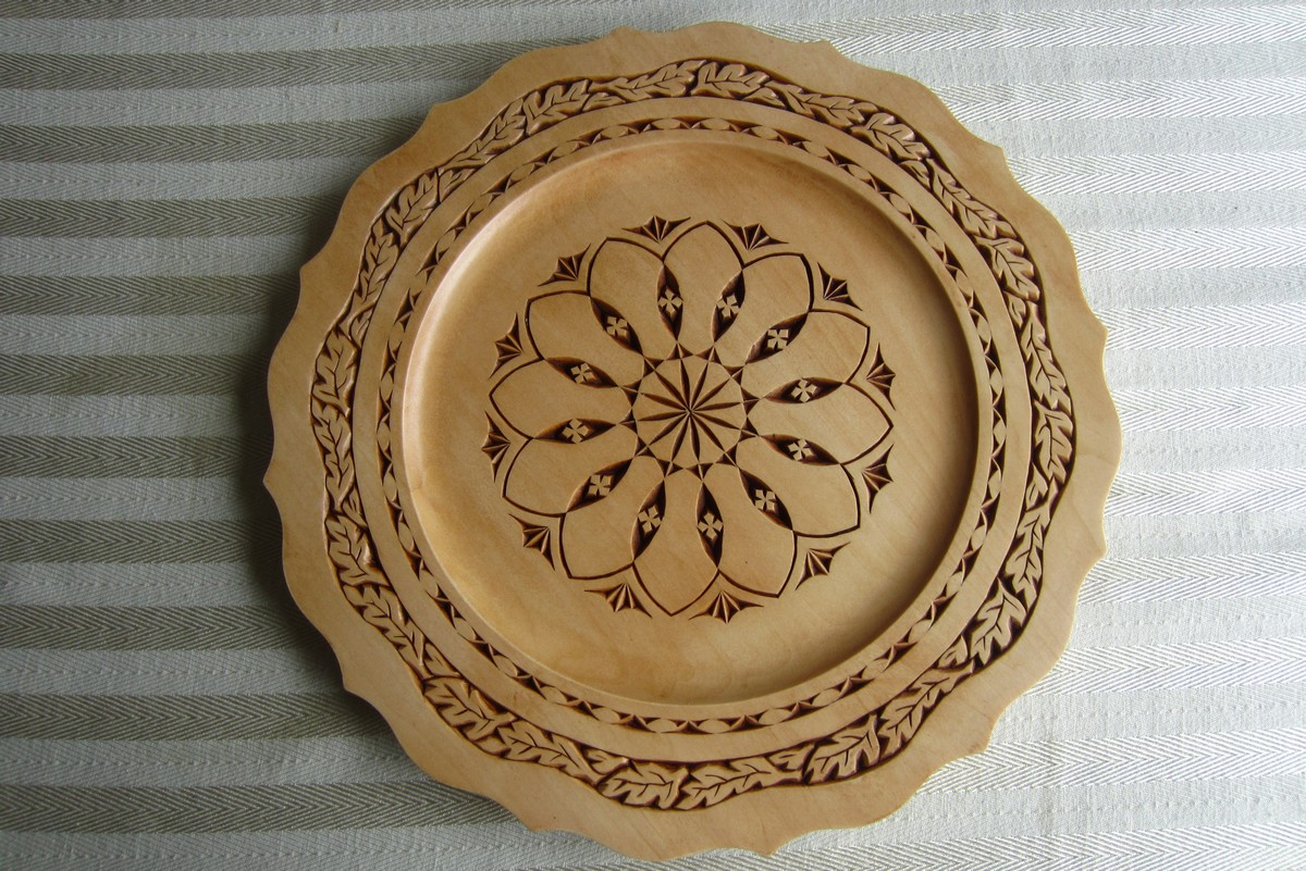 Ales the woodcarver chip carved basswood plate