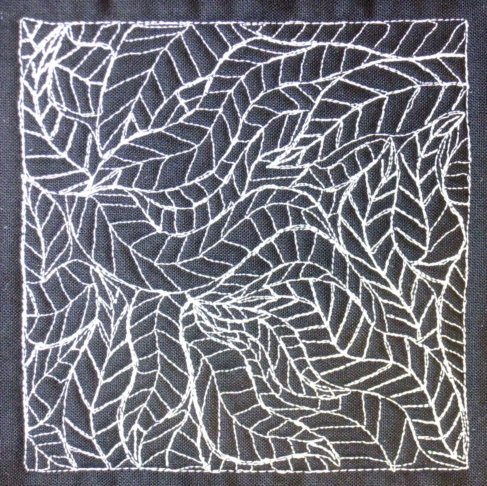 Free Motion Quilting Patterns Leaves : The Free Motion Quilting Project: Day 260 - Leaf Filler