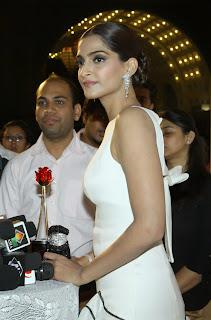 Actress Sonam Kapoor Pictures in White Stylish Dress at The Femina Beauty Awards 2015  11.JPG