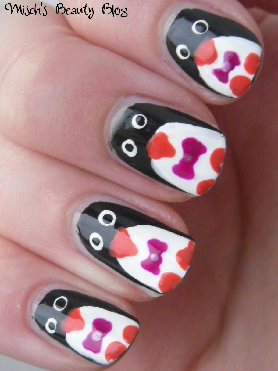 Misch\'s Beauty Blog: NOTD December 17th: Penguin Nail Art