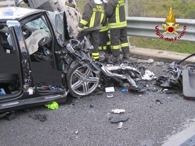 Reggio calabria tragico incidente stradale morti due bambini giornale di puglia - Incidente giardini naxos oggi ...