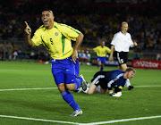 O Ronaldo foi um dos melhores jogadores da história disputando várias vezes . (ronaldo getty )